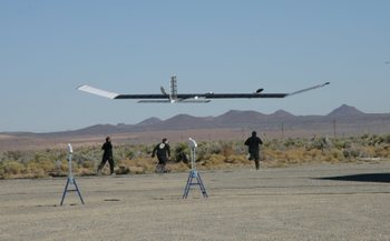 Zephyr_solar_powered_aiplane_1
